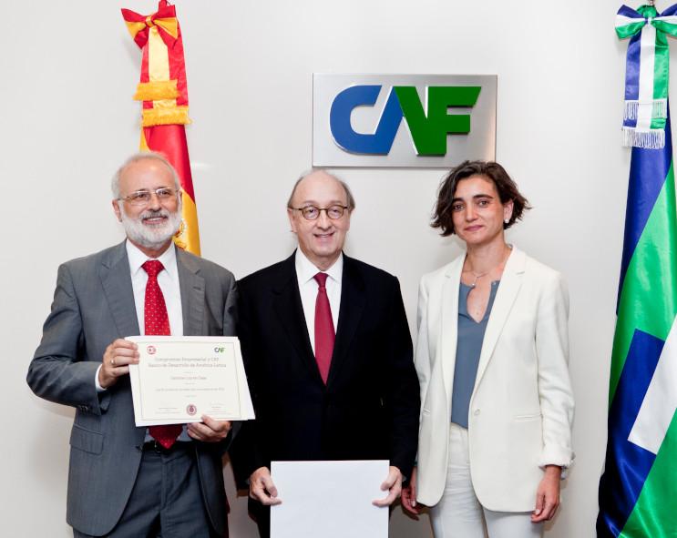 The Centros Luz en Casa awarded as an innovative social initiative