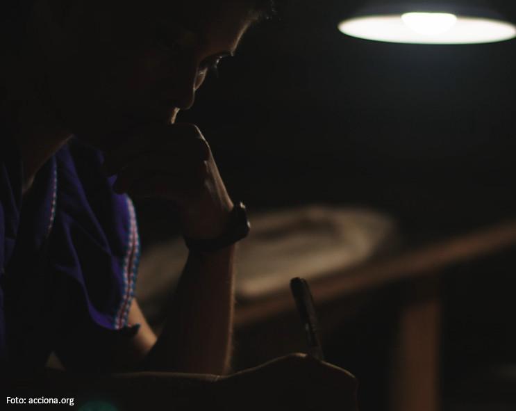 Luz en Casa Ngäbe-Buglé sigue creciendo